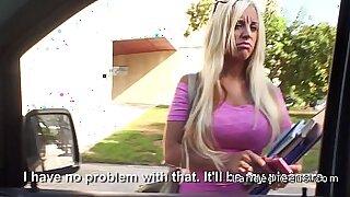 Big Boobs Smokin Blonde Teens In Public - Brazzers porno
