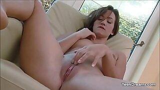 Asia Solo cCummm Masturbating Pussy - Brazzers porno
