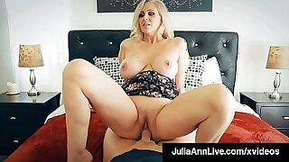 Cock riding cougar fucked - Brazzers porno