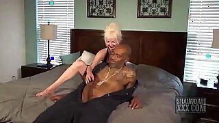 Her slutty blonde pussy got destroyed - Brazzers porno
