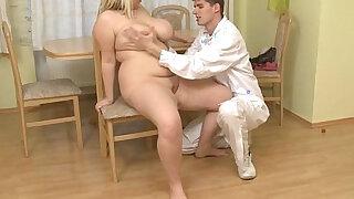 Total: 7994 -  Doctor bangs his fat patient