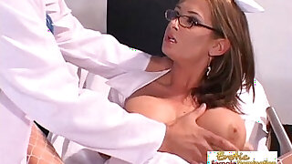 Nurse lets the doctor penetrate with his big dick - Brazzers porno