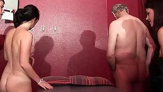 jeunes salopes francaises sodomisees dans un plan a avec papay dans un club - Brazzers porno