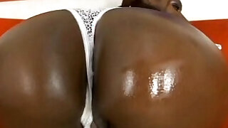 Gen Tilly Gin and Juicy Asses Creampiler - Brazzers porno