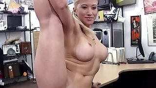 Stripper wants an upgrade! - Brazzers porno
