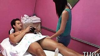 Simmultaneous sex and massage - Brazzers porno