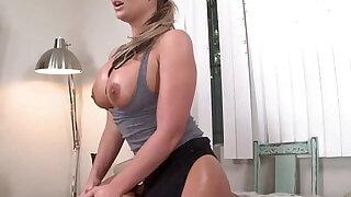 Big Ass Phoenix Marie Gets her pussy Hardcore - Brazzers porno