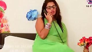 Desi aunty romantic fuck each other with boyfriend - Brazzers porno