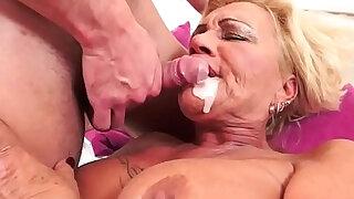 Tattooed gilf fucked with big juggs love - Brazzers porno
