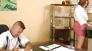 Chubby Secretary Fucks Her Dirty Boss On Desk In Office - Brazzers porno