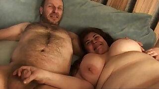 Cicciona conosciuta portando a spasso i cani - Brazzers porno