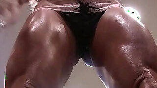 Naked Female Bodybuilder Ashlee Chambers Sexy Workout - Brazzers porno