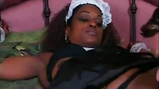 dark chocolate housemaid helps her boss to cum - Brazzers porno
