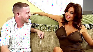Hot MILF Loves Younger Men! - Brazzers porno