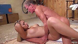 Pretty livejap anal Big tit babe Julie Star masturbating - Brazzers porno