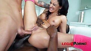 Sheena Ryder Two Perfect Feet - Brazzers porno