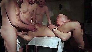 A couple sucking gangbang - Brazzers porno